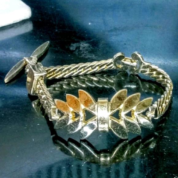 Vintage Gold Leaf Chain Monet Bracelet